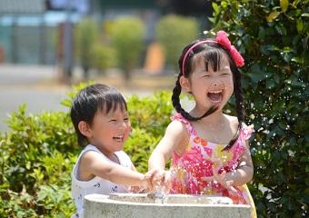 在宅バイト中のママは夏休みをどう乗り切る?子供と一緒に楽しく過ごす方法を紹介♪