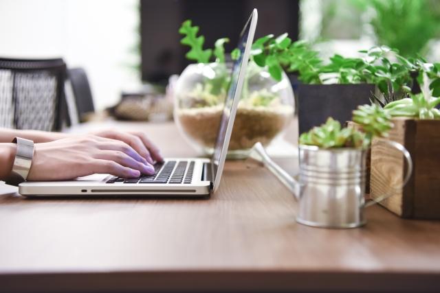副業で在宅ワークを始めたい方へ!本業とのバランスをとるやり方とは?