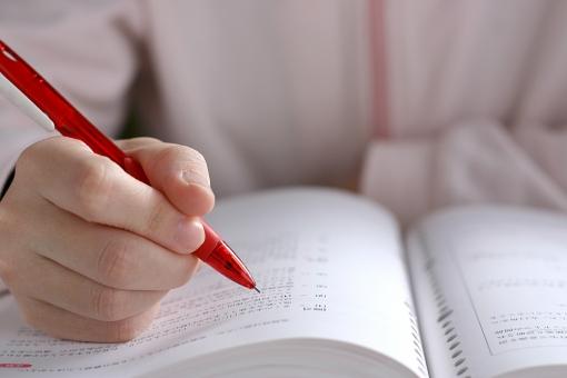 医療事務の資格は在宅で試験できる!仕事のメリットや資格の種類について