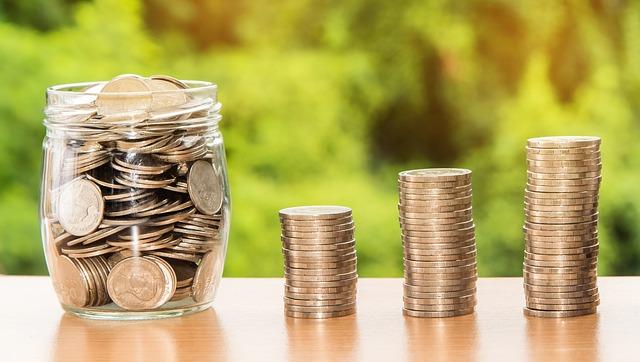 在宅ワークって年収どれくらいを見込める?高収入を狙えるお仕事情報も!