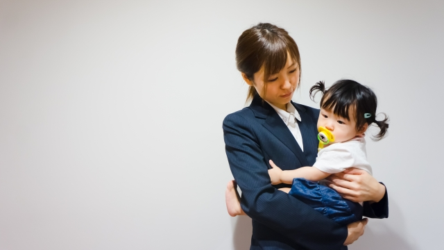 毎日忙しい働くママに人気の仕事とその理由を紹介!種類豊富な在宅ワークもオススメ☆