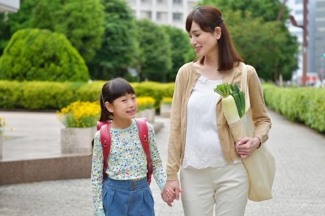 子育て・お金・偏見の目・・・!シングルマザーの悩みと新しい解決策って?