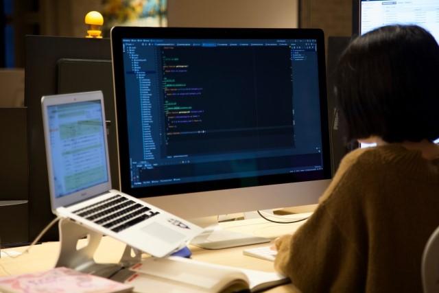 Webプログラマーってどんな仕事?仕事内容など徹底リサーチ!